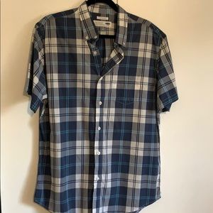 Worn once men's button up slim fit shirt 2 for $15